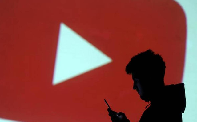 YouTube is testing new ways to help people assess information online.